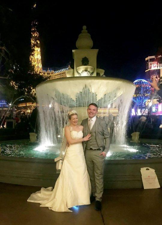 出会い系サイトで出会ったカップルがサイトで出会って10日後に結婚式を挙げ話題に02