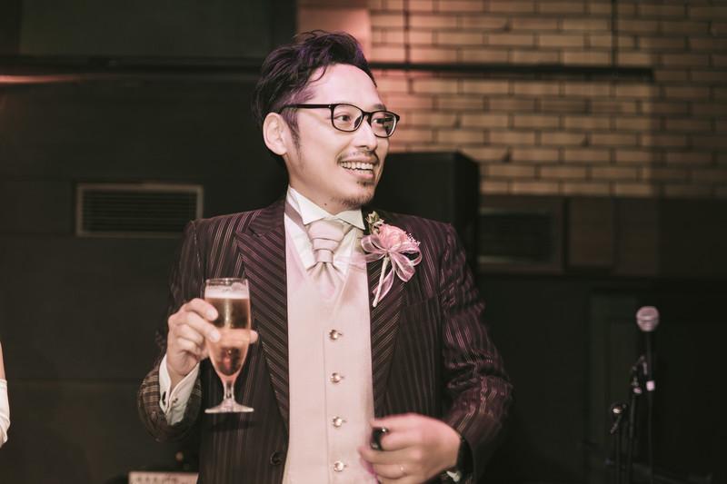 結婚式の二次会での出会い