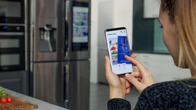 サムスンが冷蔵庫を使った出会い系「Refrigerdating」をリリース01