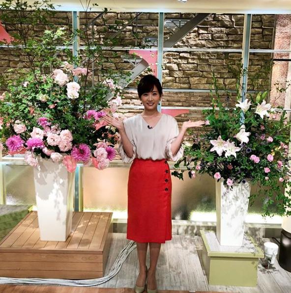 高島彩アナウンサー夏のファッション02