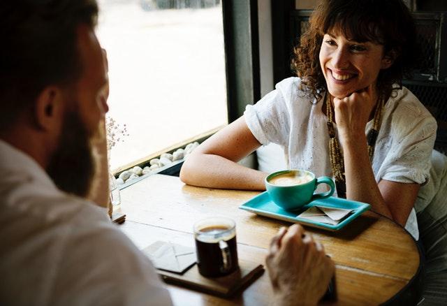 女性がデート中に男性にされたら嫌な事ランキング