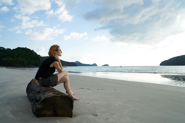 独身のメリット・デメリット 独り身で寂しいと感じる時、独り身で良いと思う時