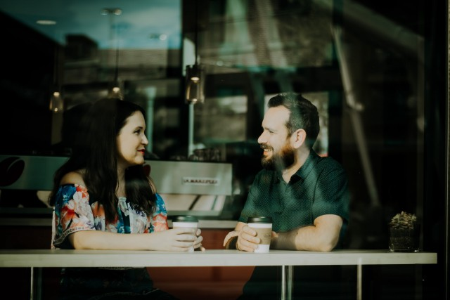 カフェのカップル