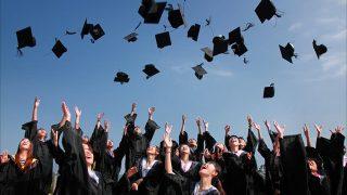学歴、大学卒業